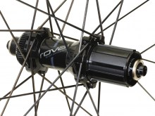 CL-40-DISC-REAR_SATIN-CARBON-GLOSS-BLK_HUB9